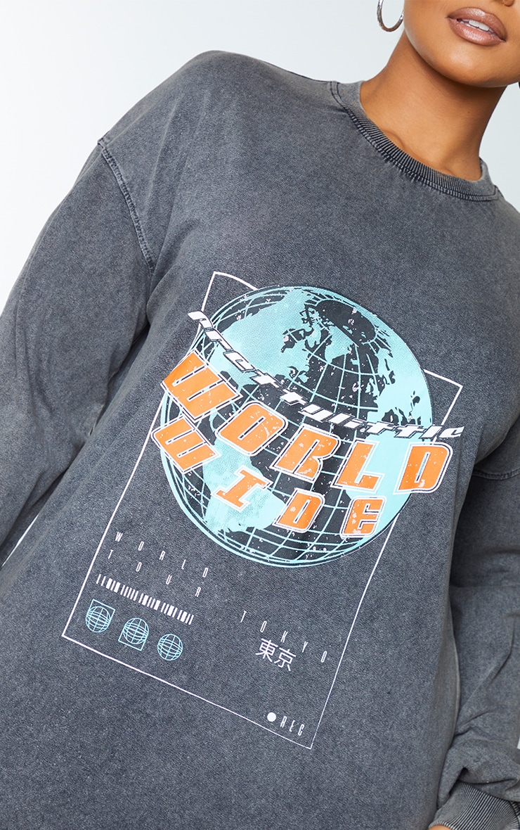 PRETTYLITTLETHING Plus Charcoal Worldwide Slogan Print Sweater Dress 4