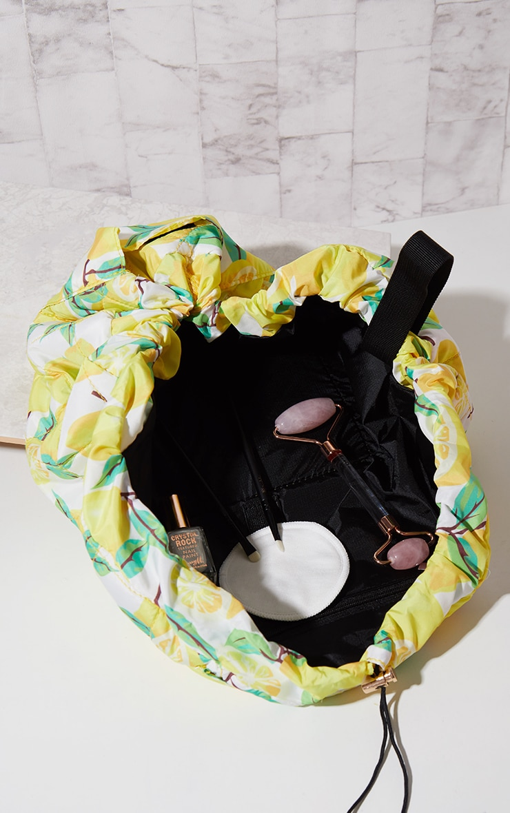 The Flat Lay Co Lemons Print Makeup Bag 2