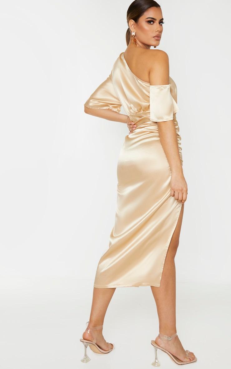 Tall - Robe mi-longue champagne satinée à manche unique et jupe froncée 2