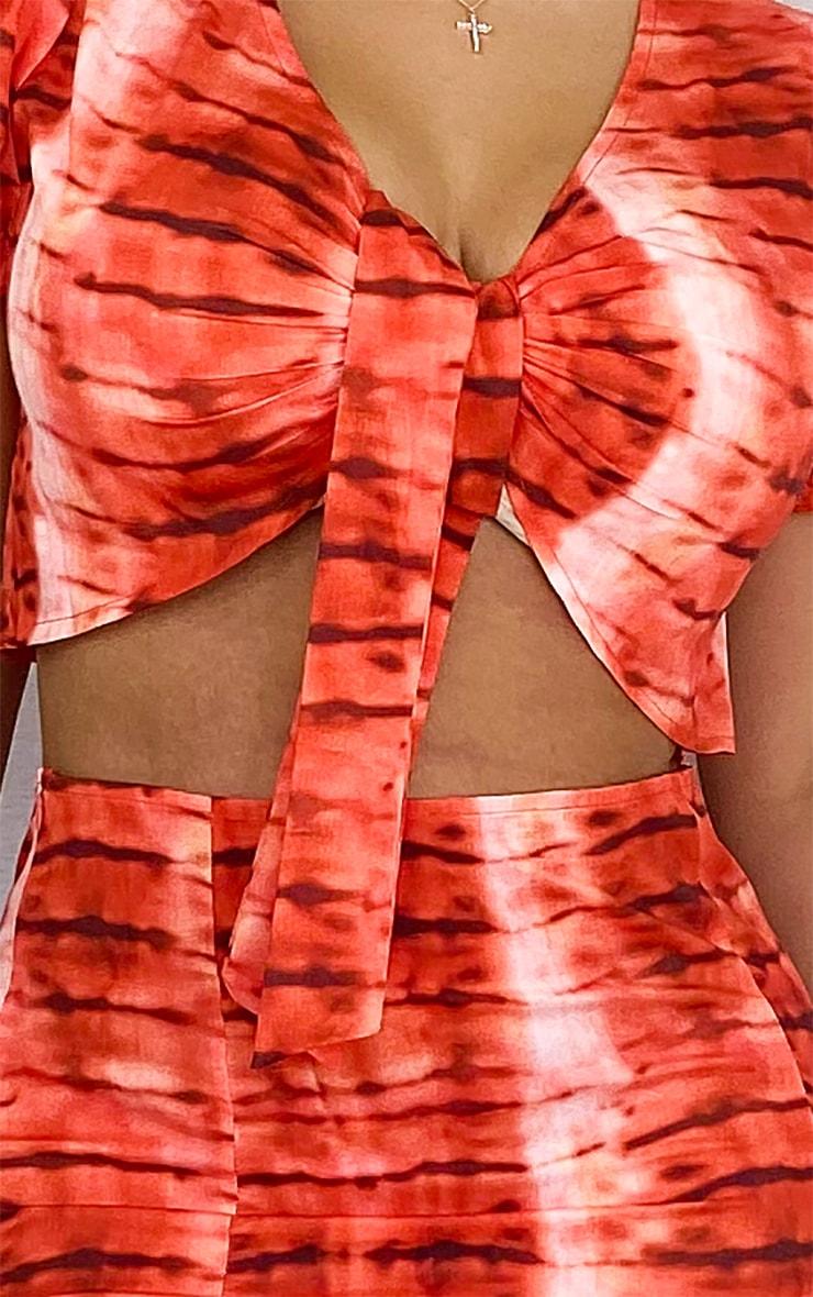 PLT Plus - Crop top à nouer devant rouge imprimé tie & dye  4