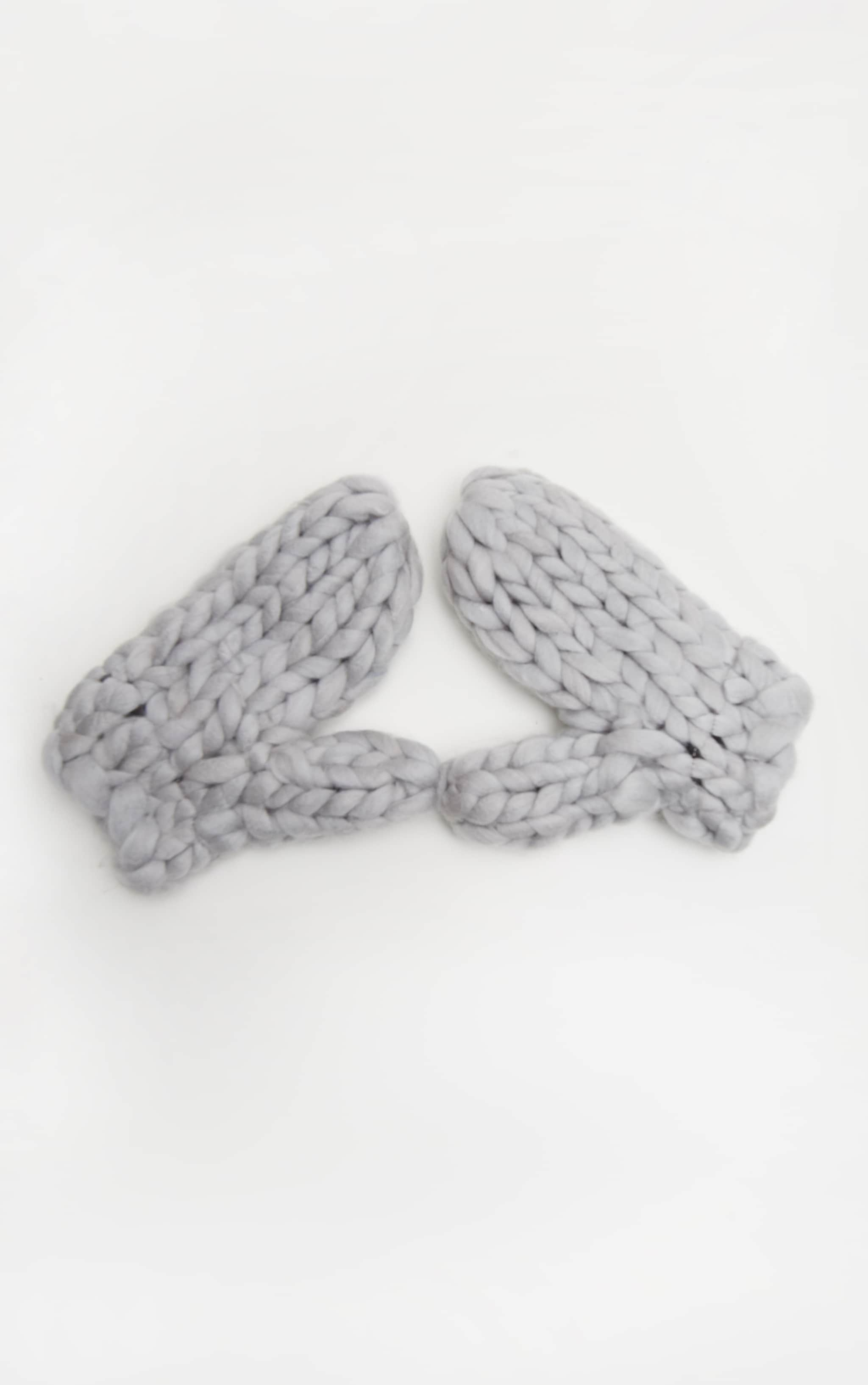 Grey Chunky Knit Mittens