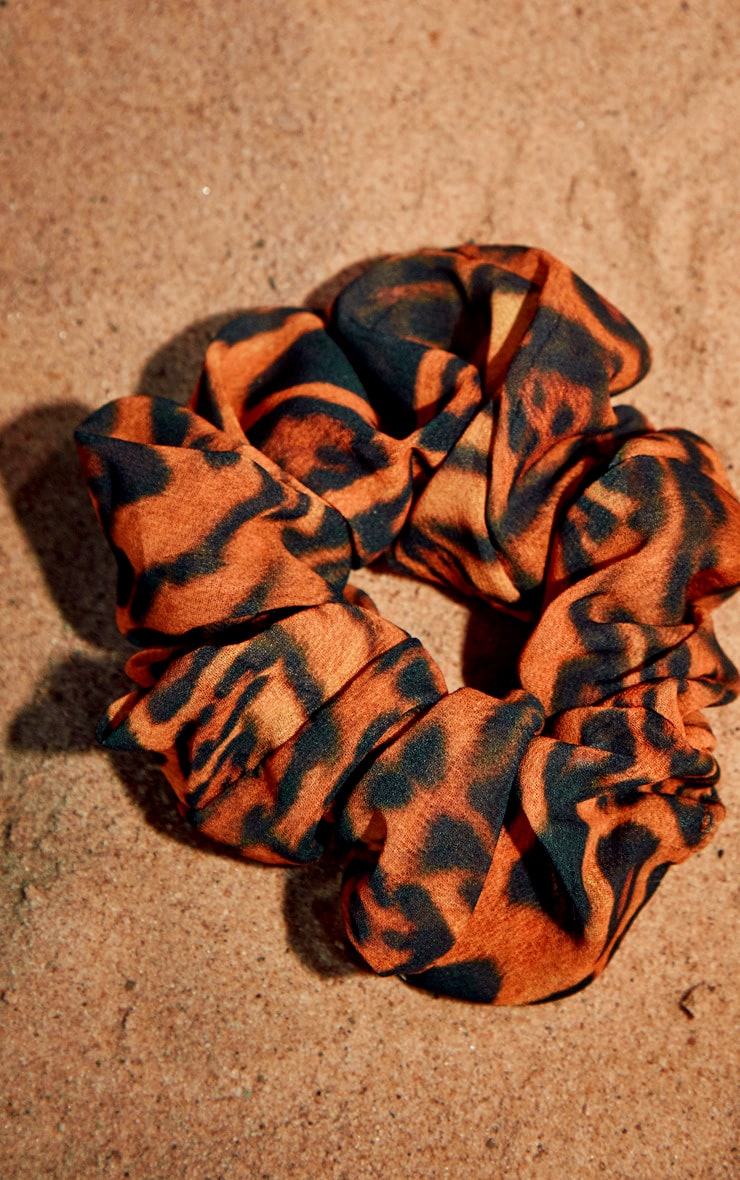 Brown Leopard Scrunchie 3