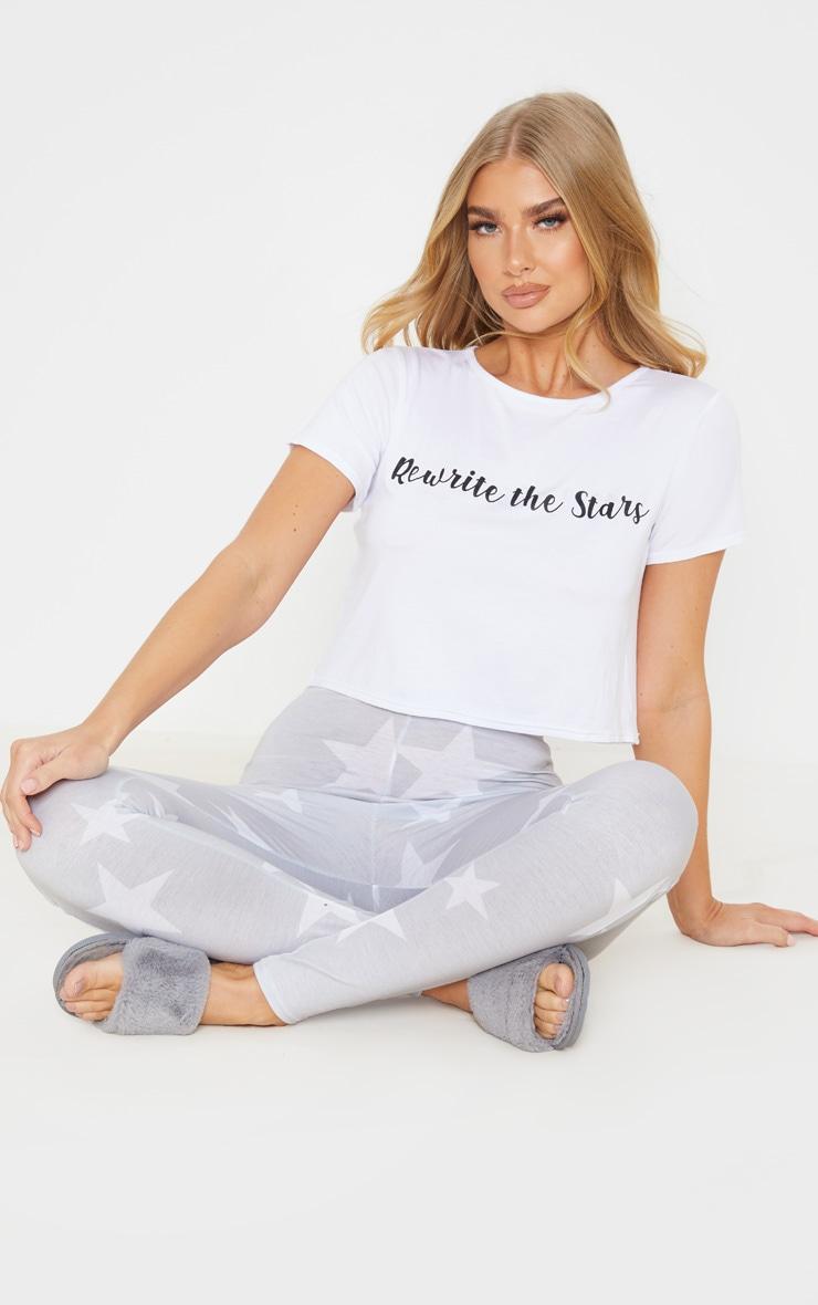 Ensemble de pyjama gris à legging à étoiles et top slogan Rewrite The Stars 1