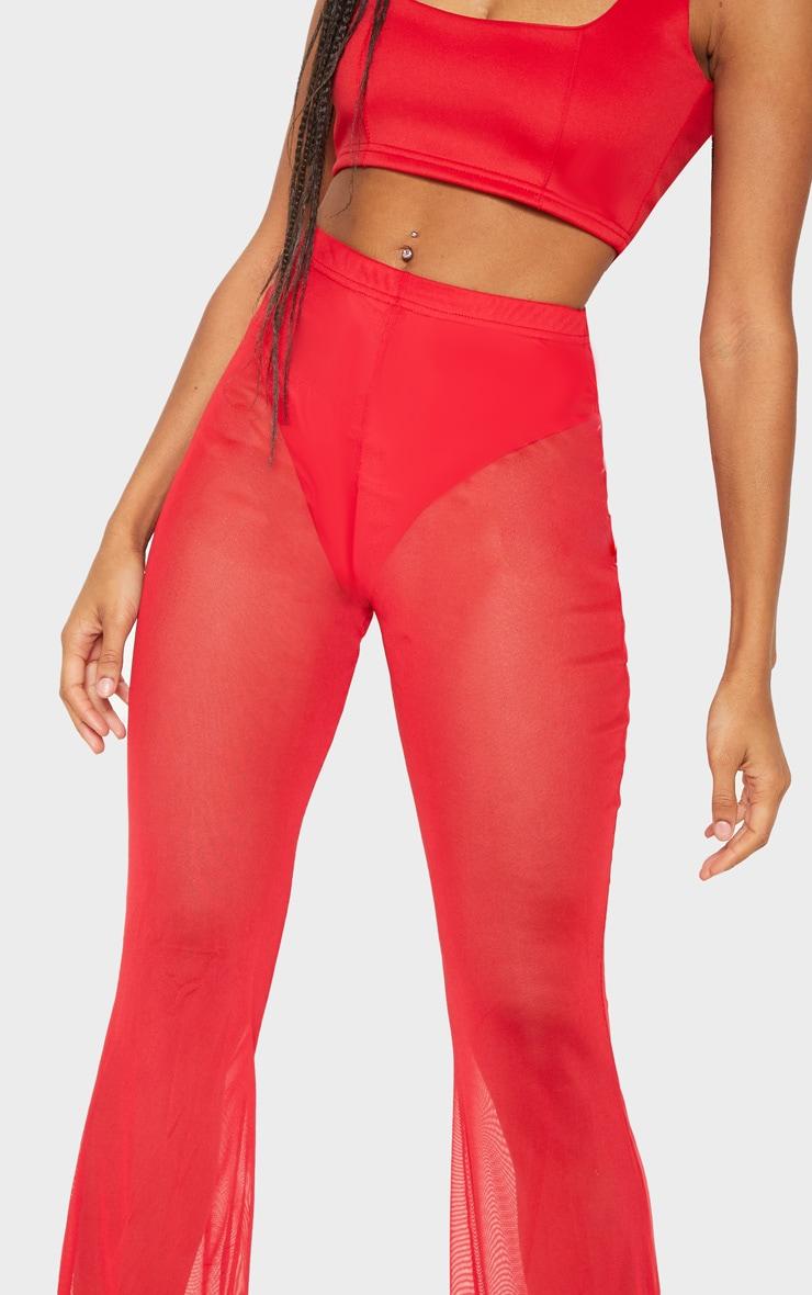 Pantalon en mesh rouge à jambes évasées 5
