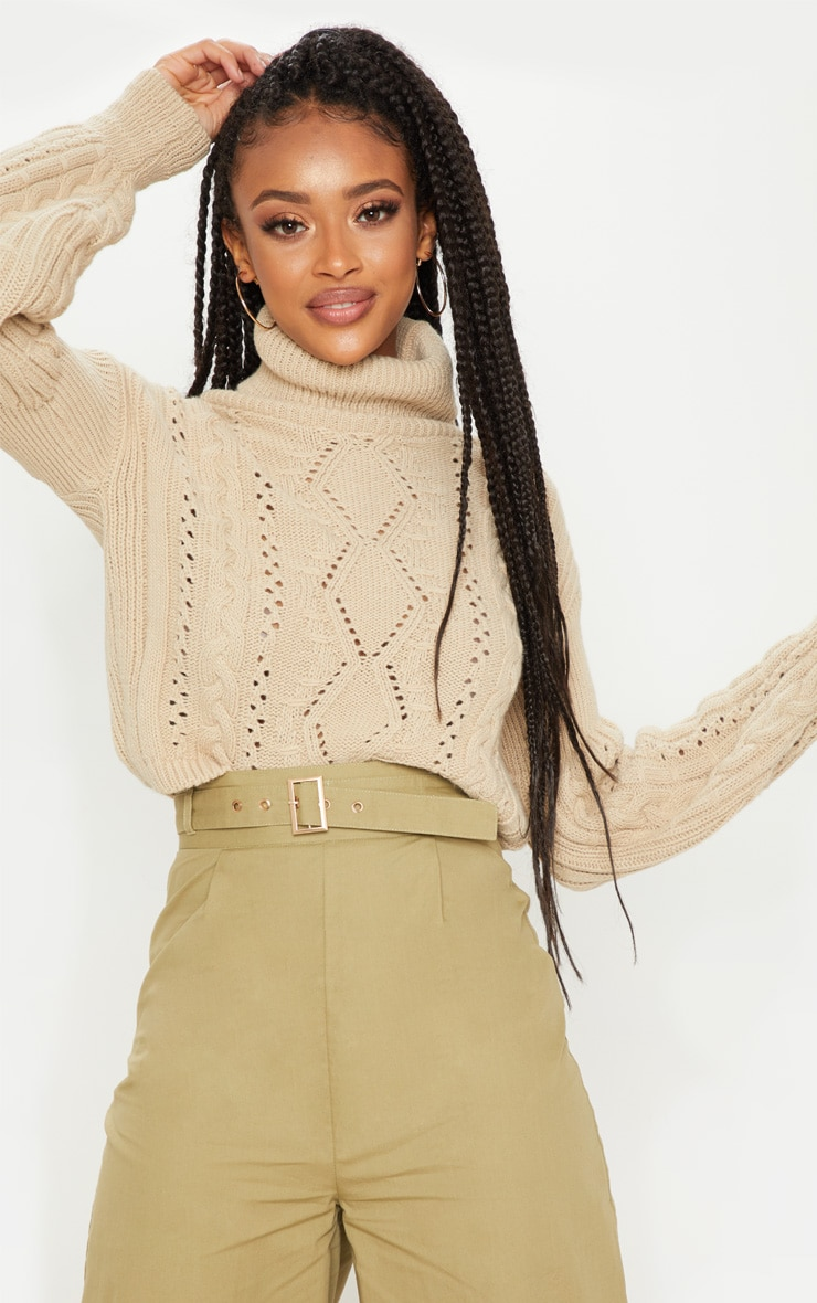 Stone Cropped Cable Knitted Sweater  1