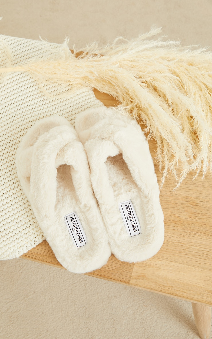 PRETTYLITTLETHING Home Cream Soft Faux Fur Cross Strap Slippers 1