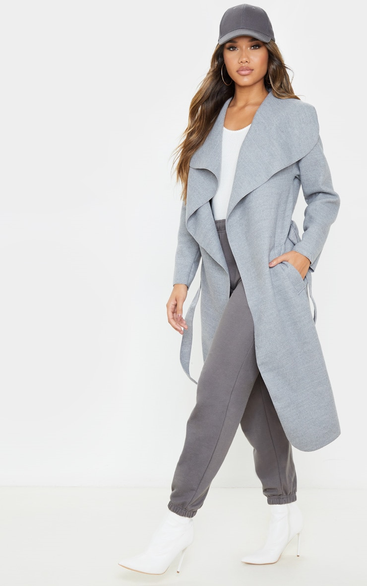 Manteau oversize effet cascade gris argent à ceinture 1