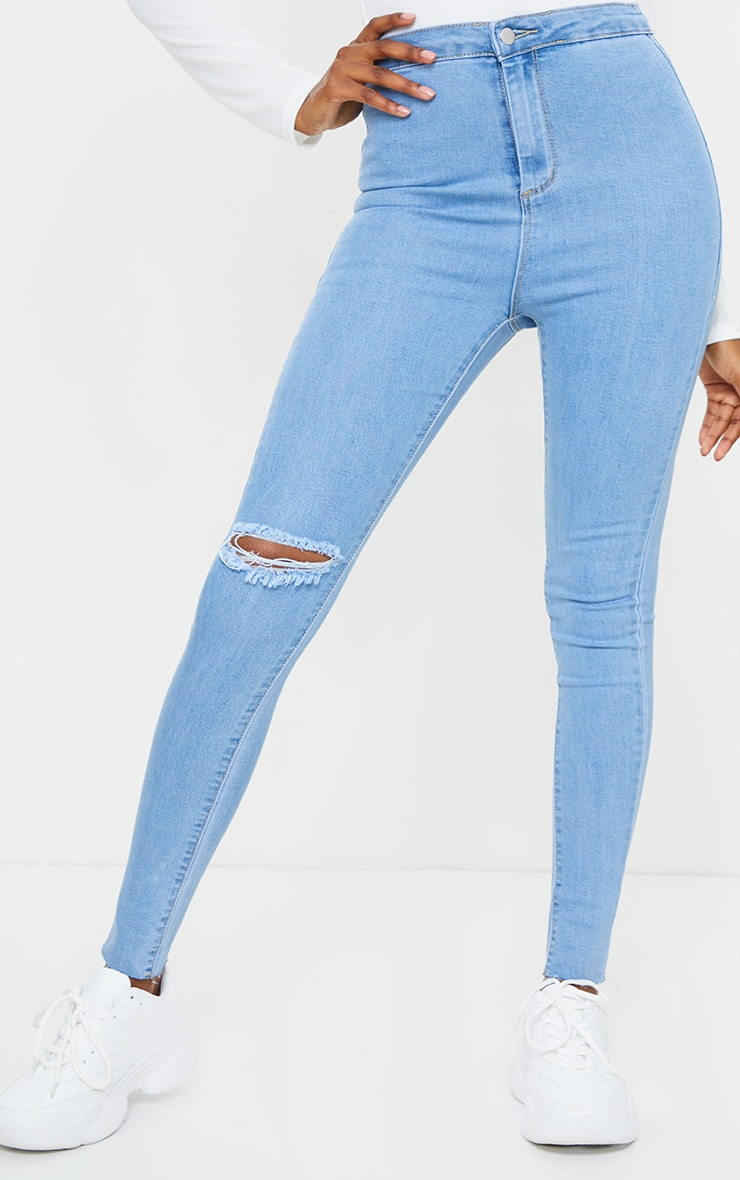 PRETTYLITTLETHING Tall Light Blue Wash Raw Hem Knee Rip Disco Skinny Jean 2
