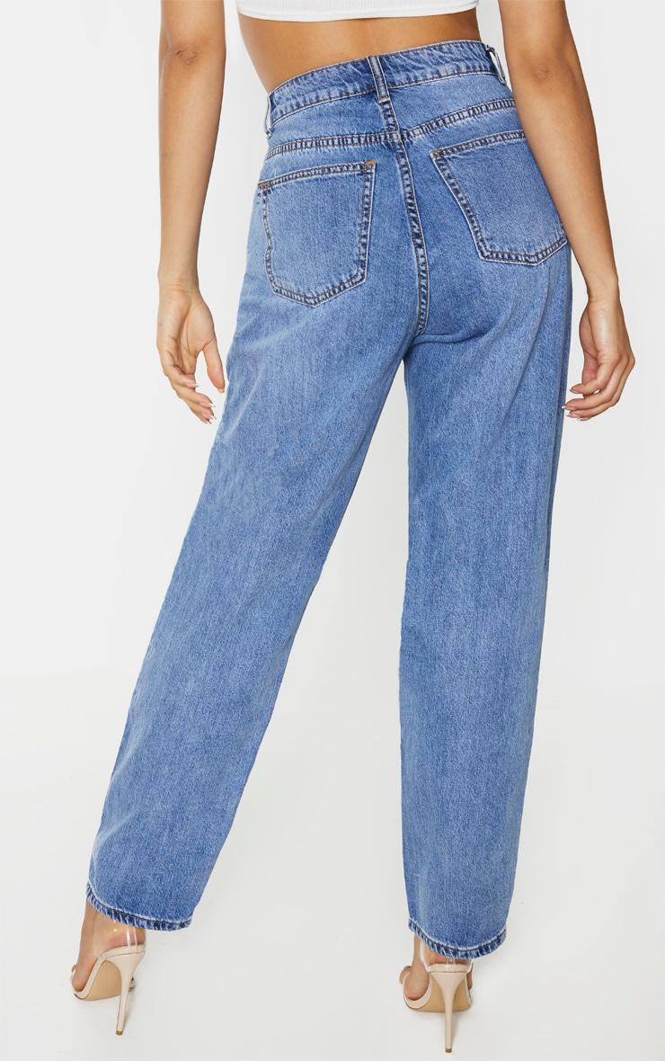 PRETTYLITTLETHING Mid Blue Tall Knee Rip Boyfriend Jeans 3