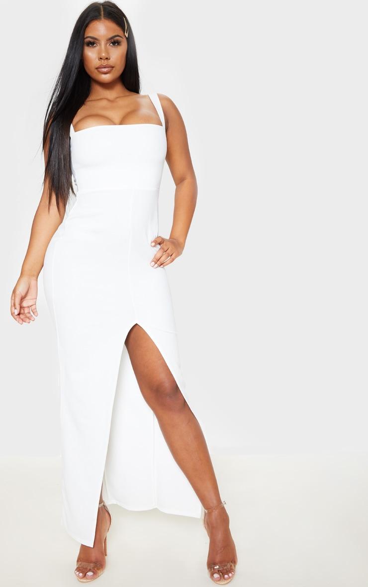robe longue blanche décolleté carré