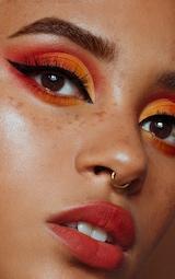 Sleek MakeUP i-Divine Eyeshadow Palette Royal Flush 3