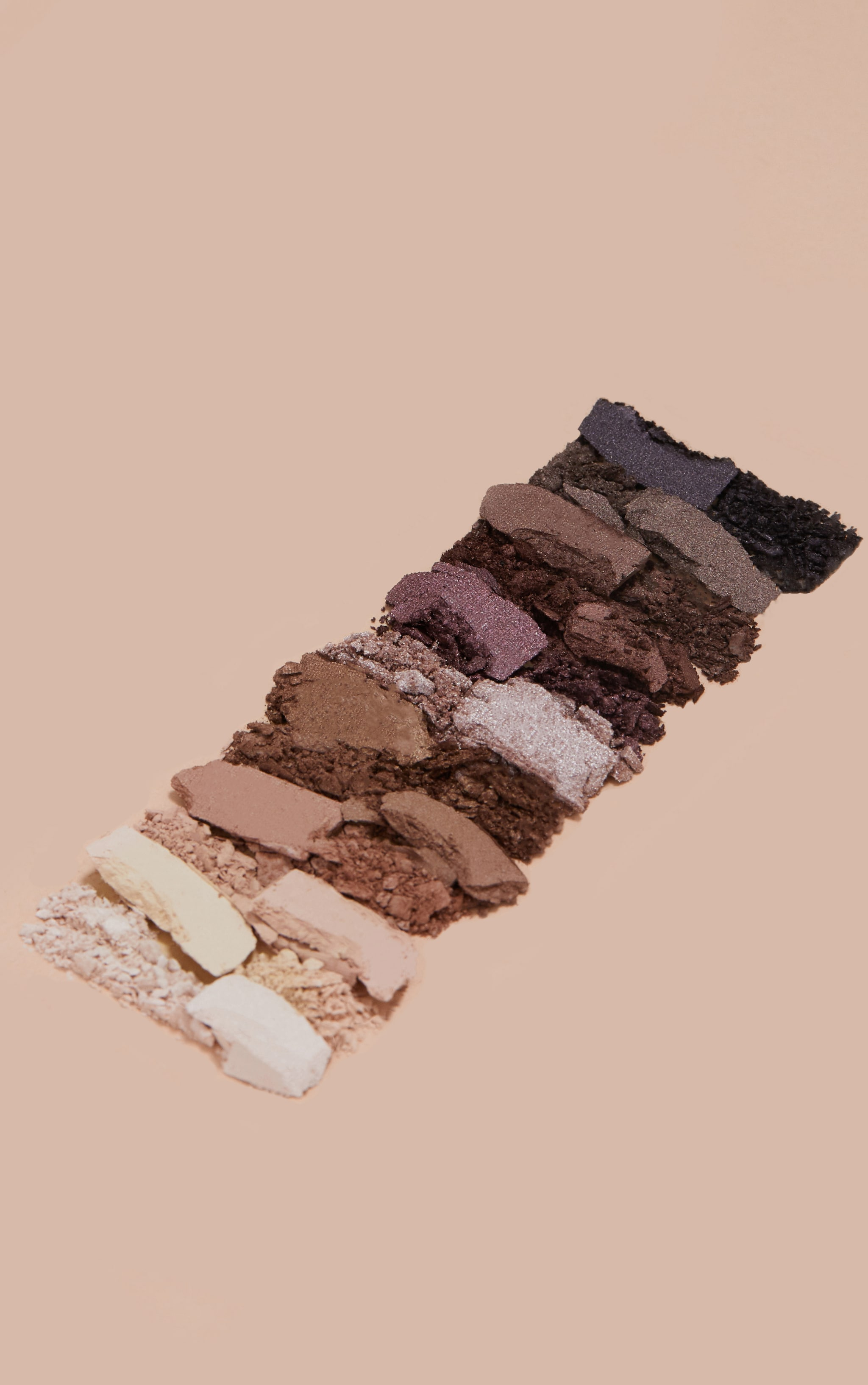 PRETTYLITTLETHING Caught Your Eye 12 Shade Eyeshadow Palette 5