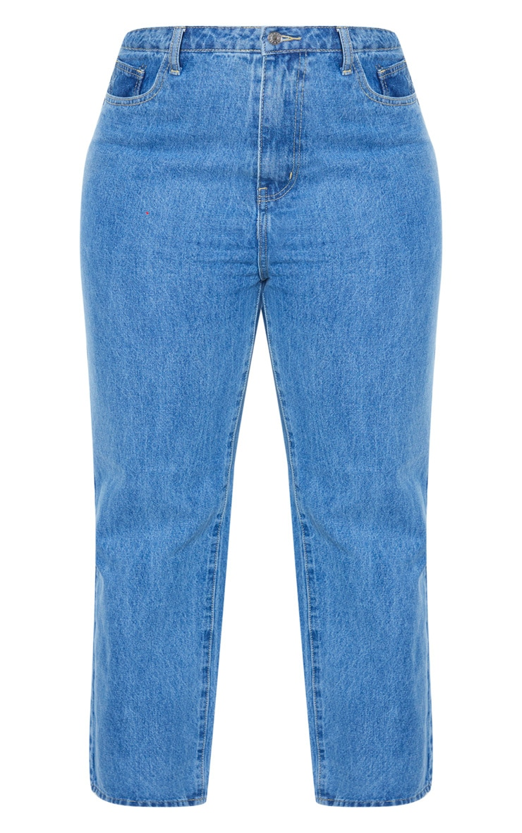 PRETTYLITTLETHING Plus Mid Wash Staight Leg Jean 3