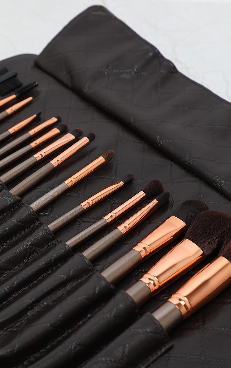 BH Cosmetics Rose Gold 15 Piece Brush Set 4