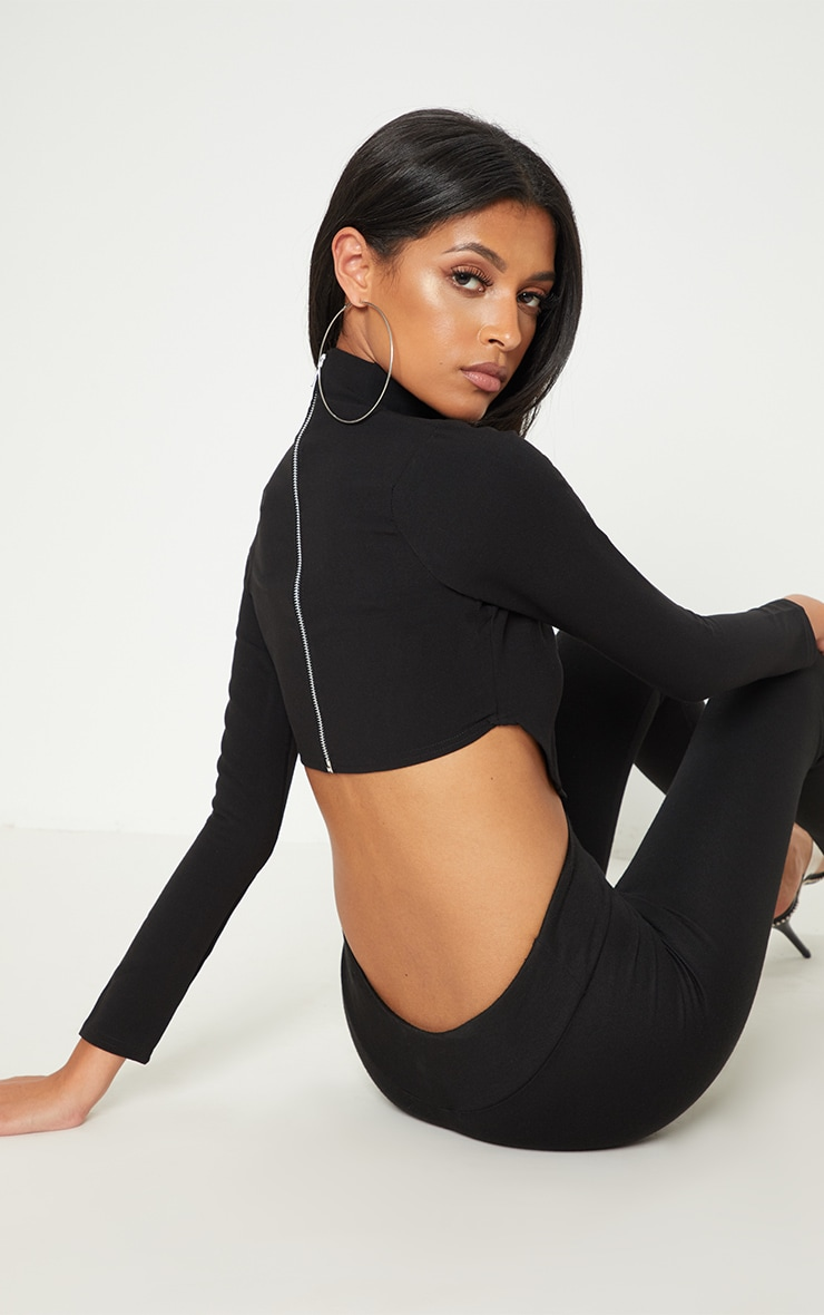 Black Curve Hem Crop Top  1