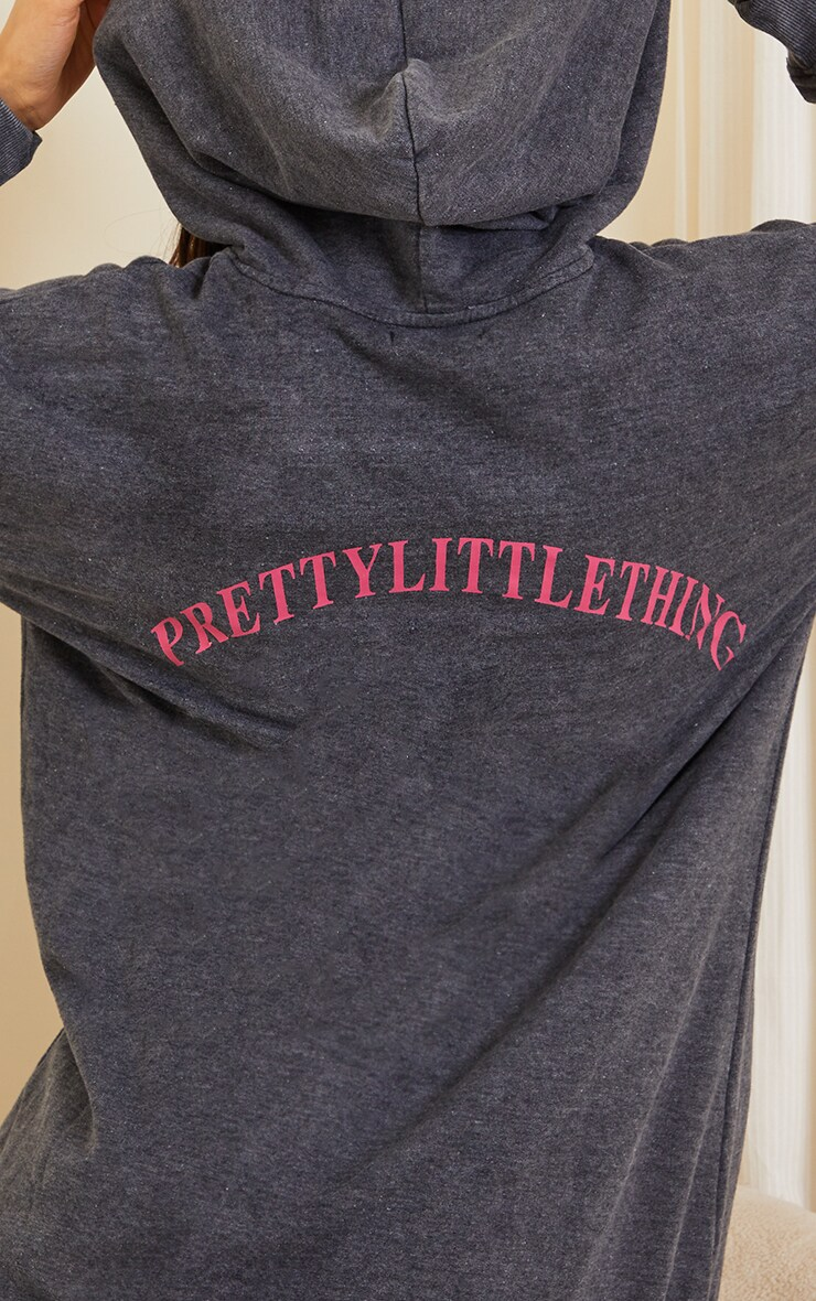 PRETTYLITTLETHING Slogan Charcoal Acid Wash Oversized Jumper Dress 4