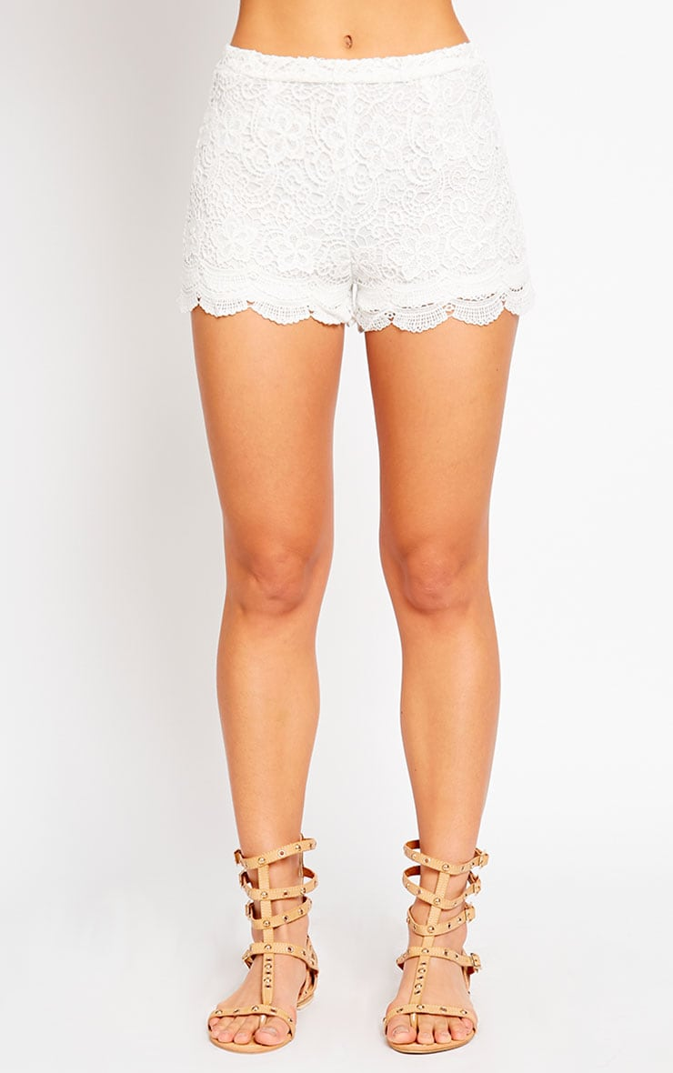 Nella Cream Lace Shorts 2