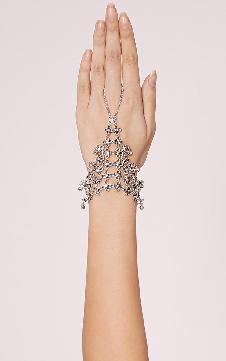 Isara Silver Hand Harness 1