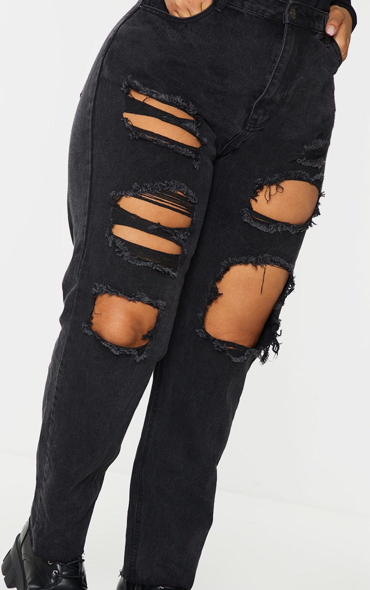 PRETTYLITTLETHING Plus Washed Black Extreme Distressed Slim Fit Jeans 4