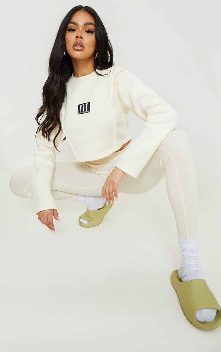 PRETTYLITTLETHING Cream Badge Cropped Sweat 3