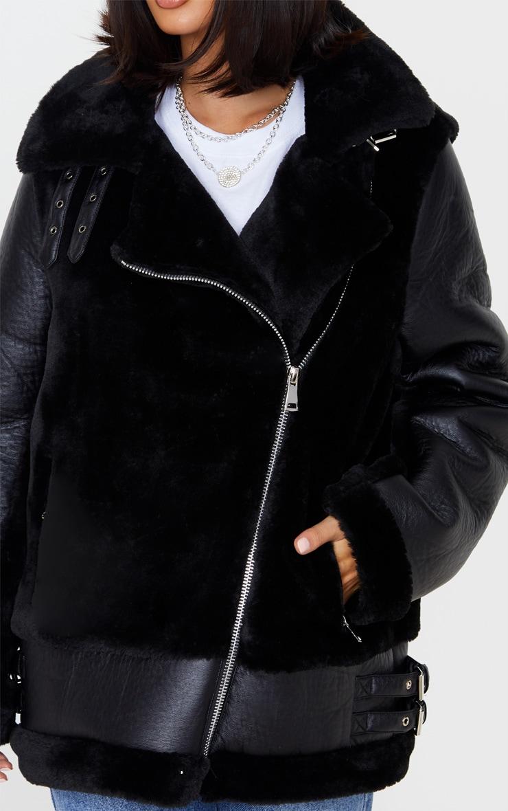 Black Oversized Faux Fur Panel Aviator 5