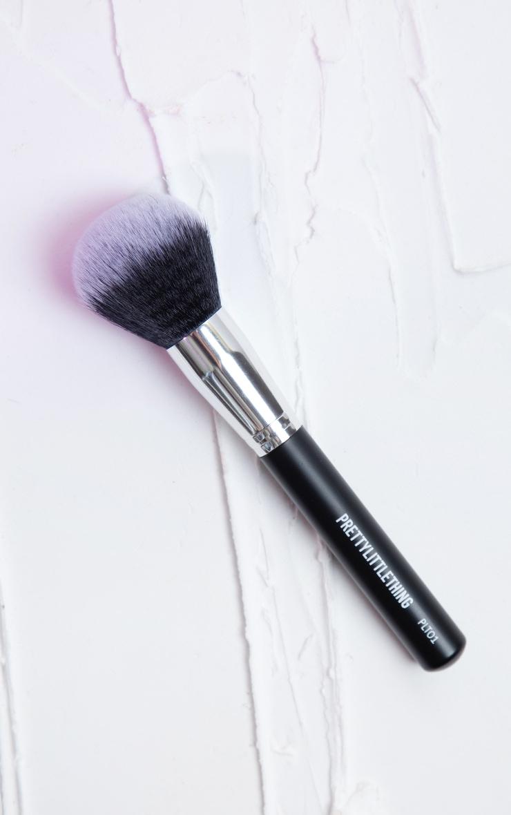 PRETTYLITTLETHING Large Powder Brush PLT01 1