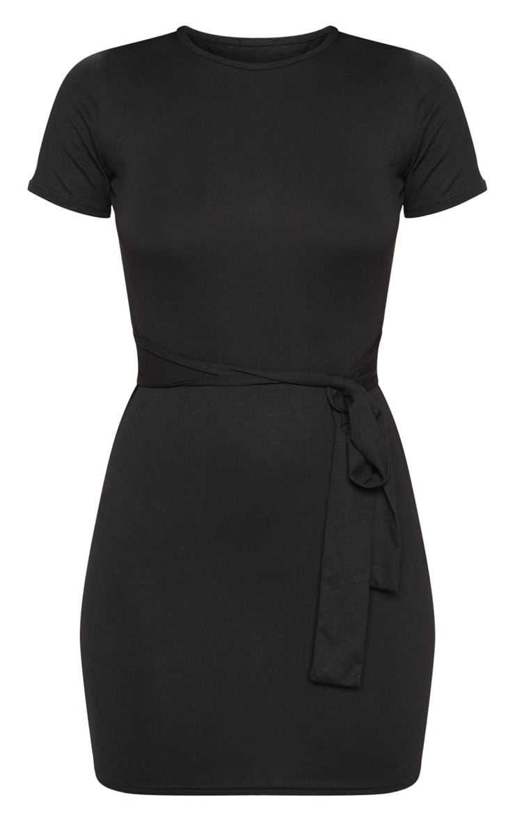 Robe t-shirt noire à détail lien sur la taille 3