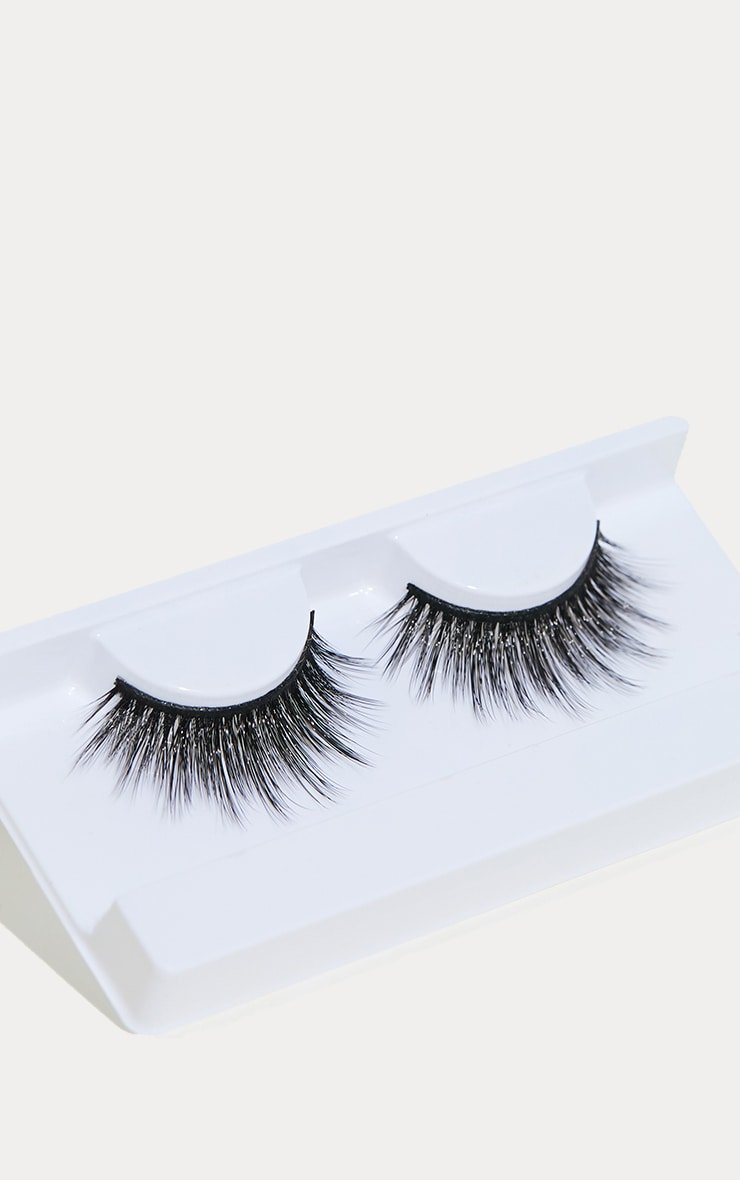 Land Of Lashes Captivate Lash 2