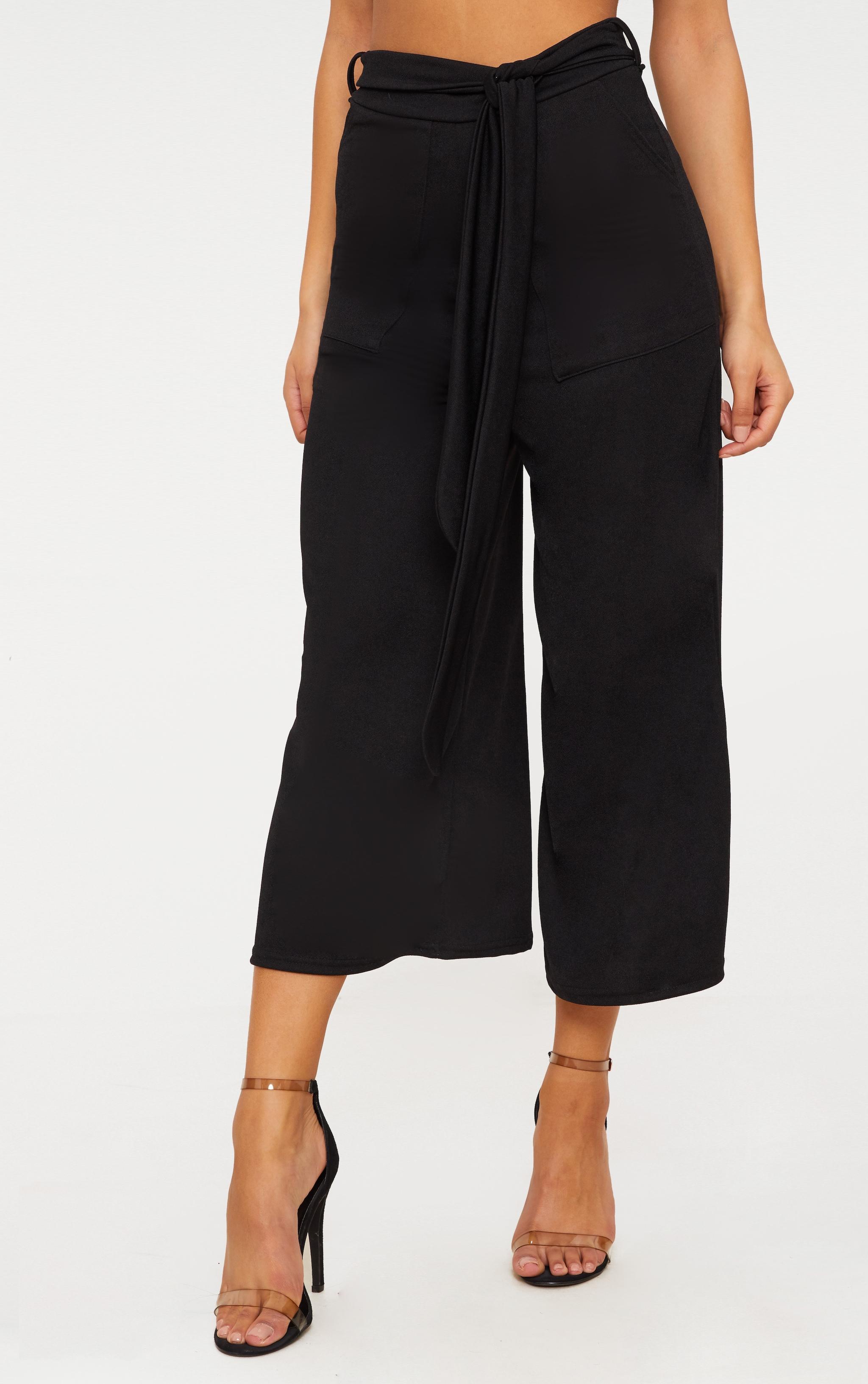 Jupe-culotte noire avec attache à la taille  2