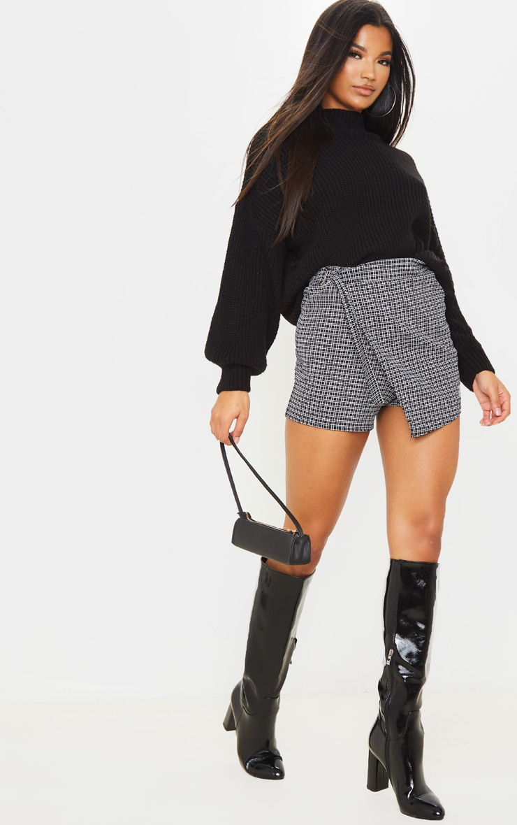 Black Base Check Belted Skort 5