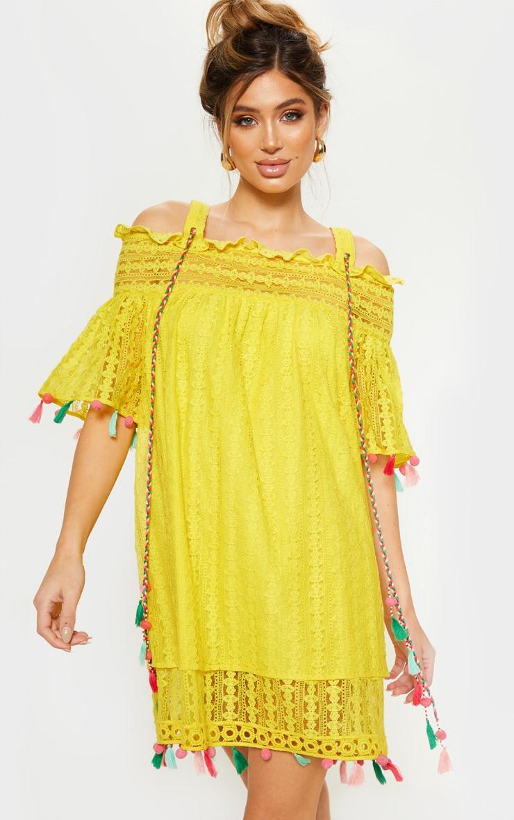 Robe blouse jaune vif en crochet à bretelles avec manches à pompons  1