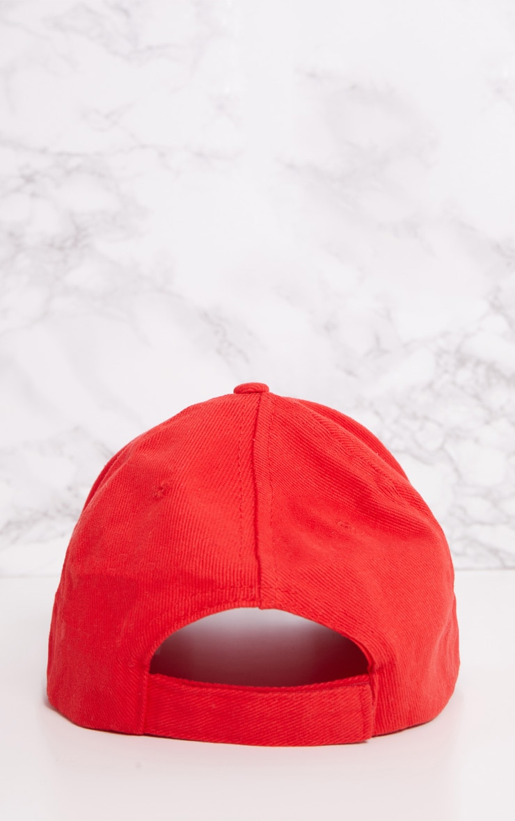 Casquette rouge style baseball 4