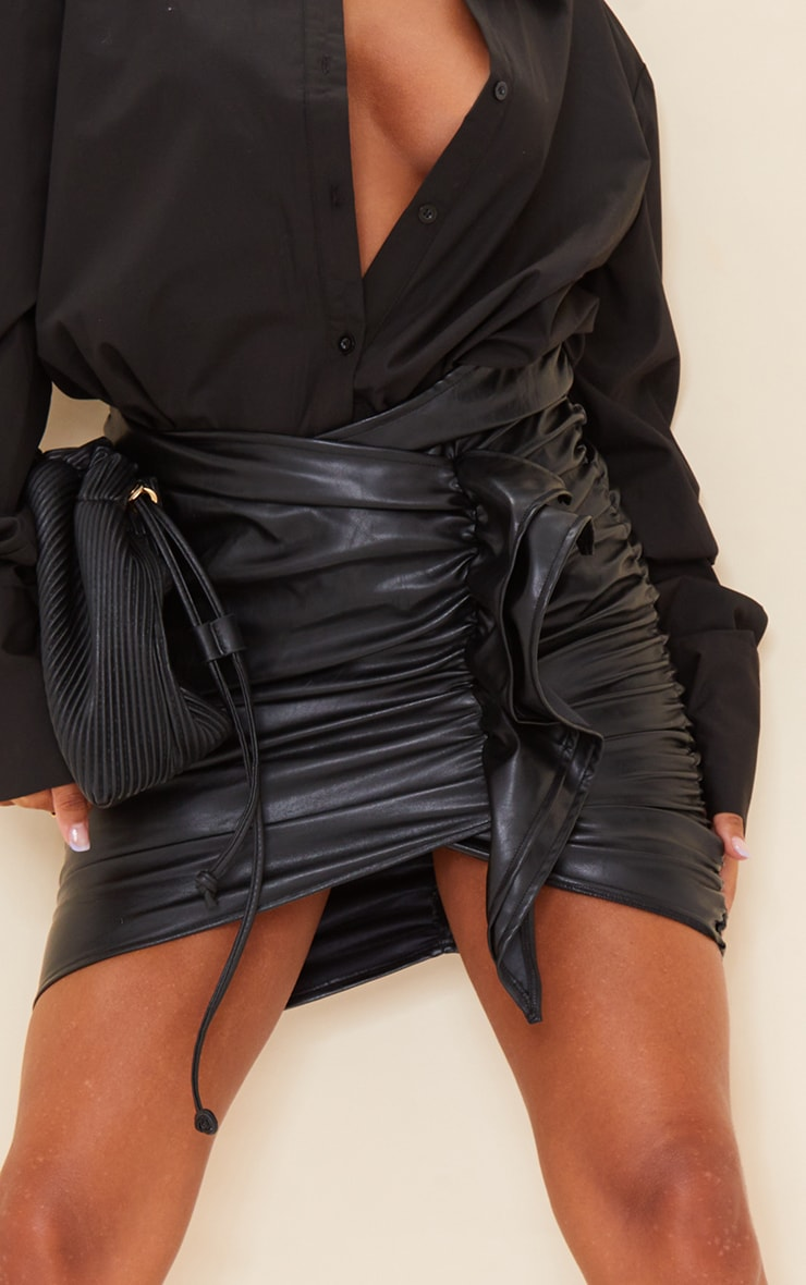 Black Detailed Faux Leather Ruched Mini Skirt 5