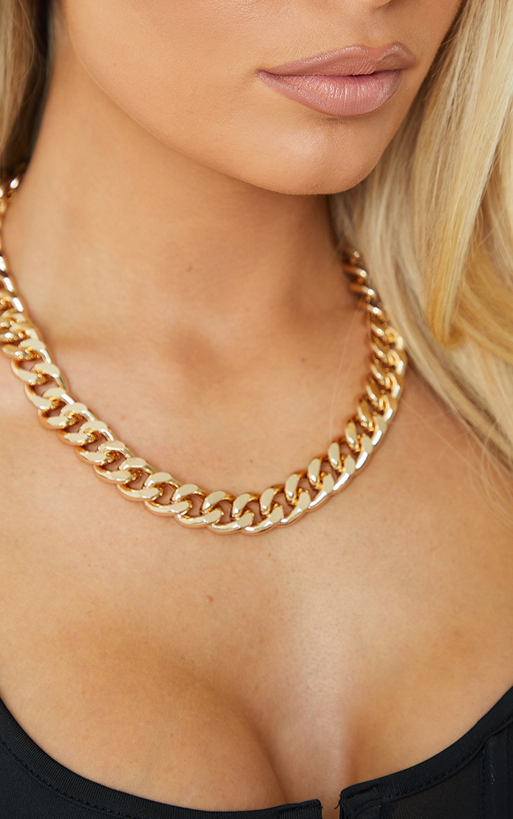 Gold Chunky Medium Chain Necklace 2