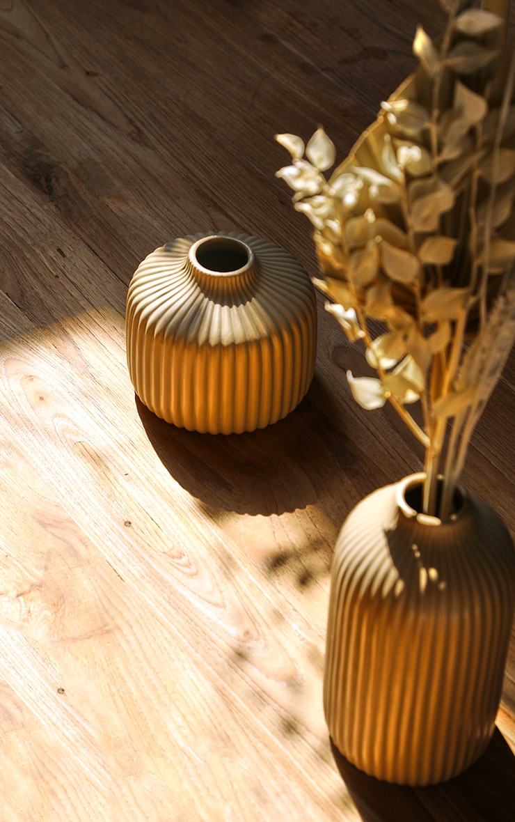 Stone Round Ribbed Vase 5