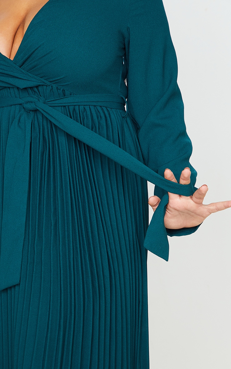 Plus Emerald Green Long Sleeve Pleated Midi Dress 3