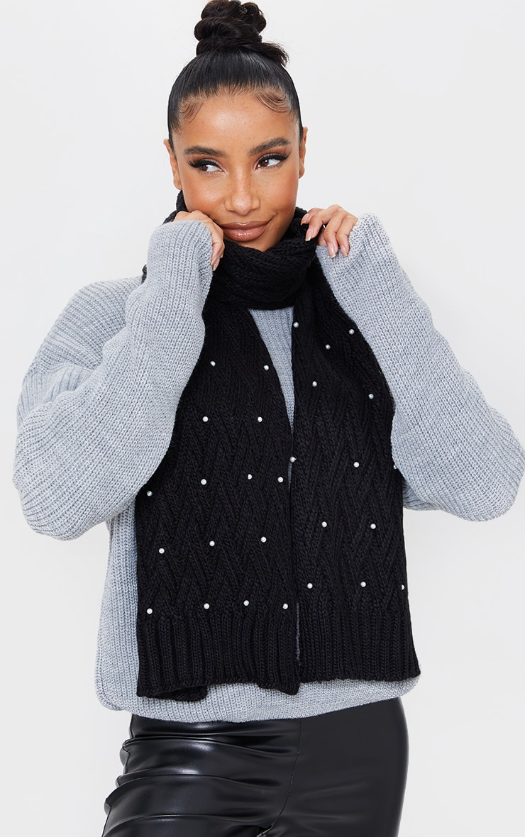 Black Cable Knit With Pearl Scarf 1