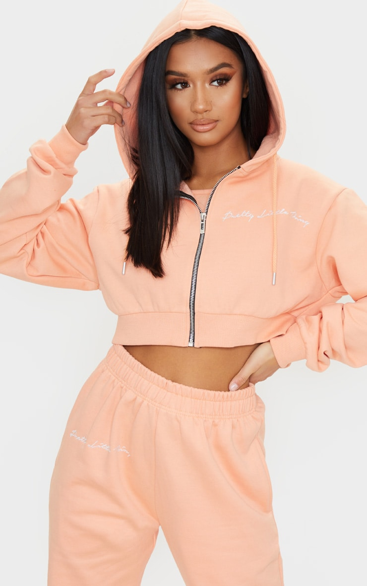 PRETTYLITTLETHING Petite Peach Cropped Embroidered Zip Hoodie 3