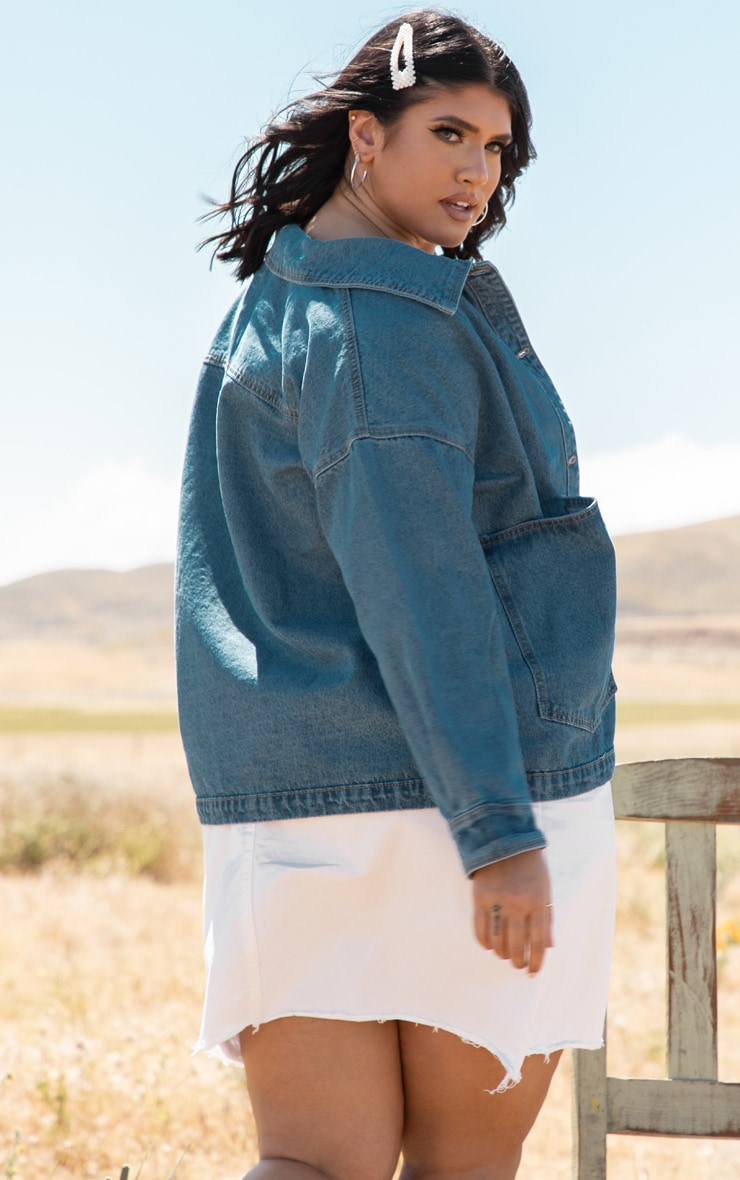 Plus Mid Wash Contrast Pocket Oversized Denim Jacket 2