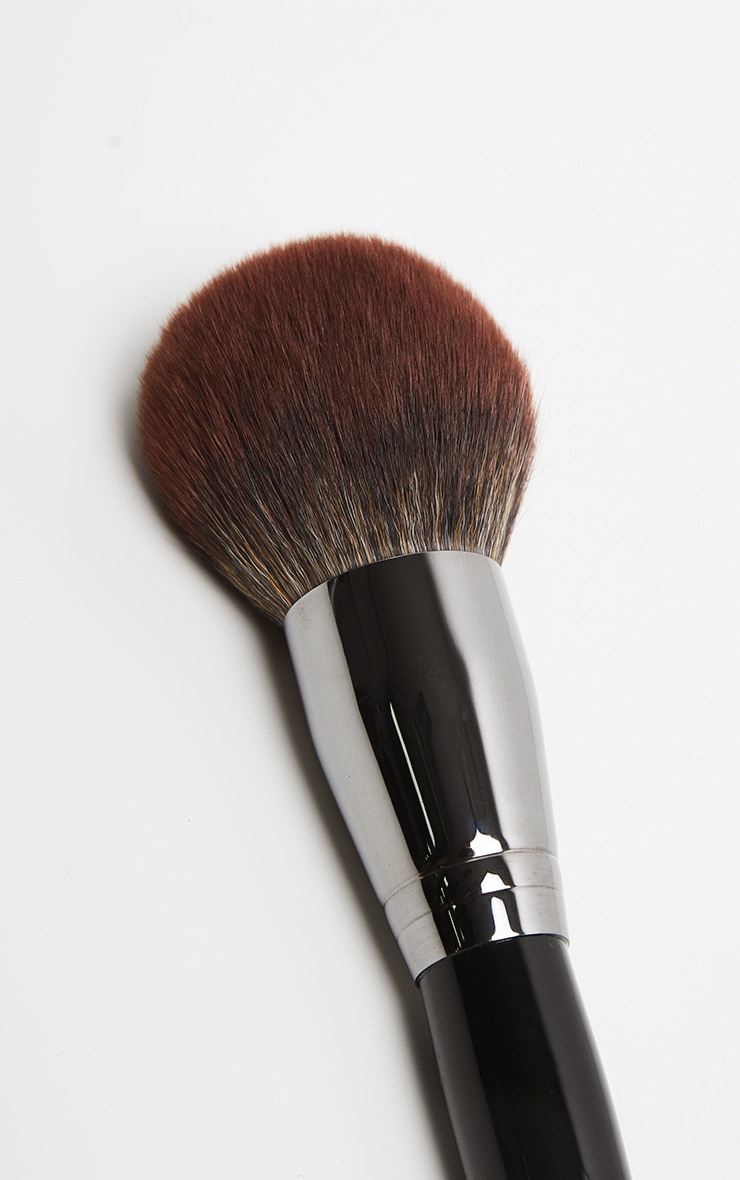 Morphe E41 Round Deluxe Powder Brush 2