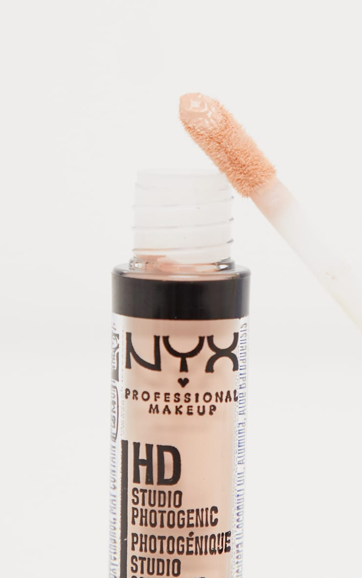 NYX PMU HD Photogenic Concealer Wand Light 2