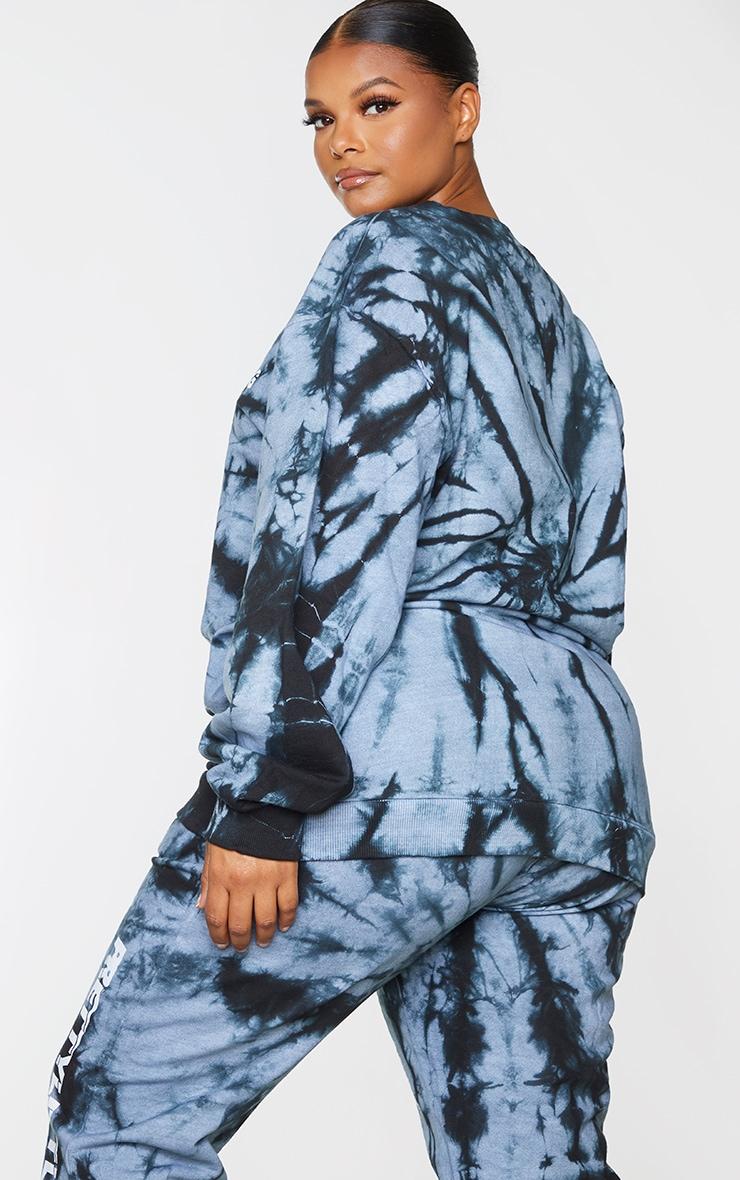 PRETTYLITTLETHING Plus Black Tie Dye Logo Front Sweatshirt 2