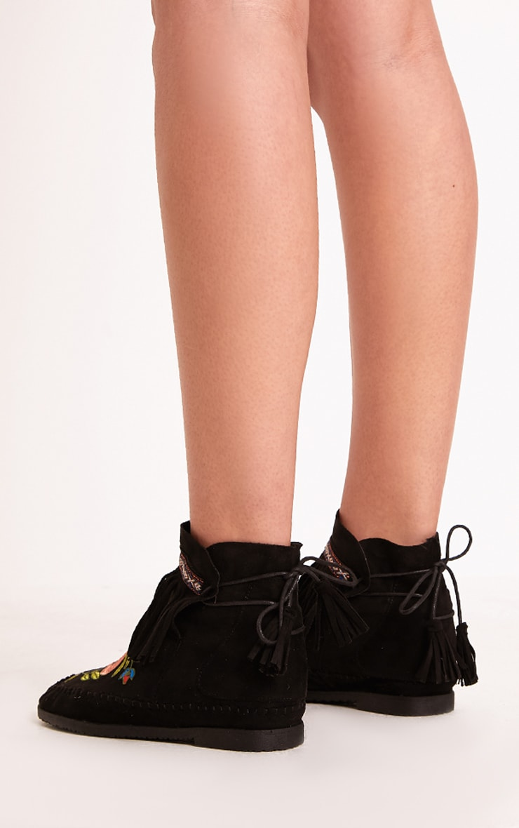 Saz Black Embroidered Fringed Boots 4