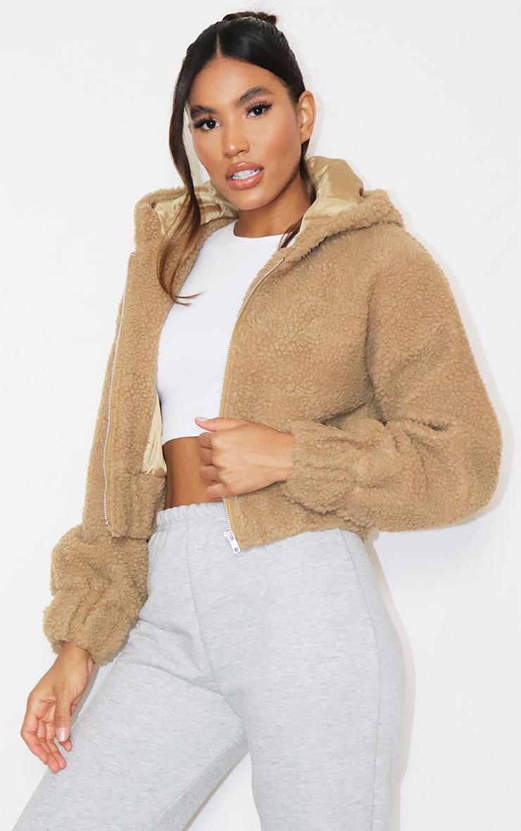 Veste en faux mouton camel zippée à capuche 3