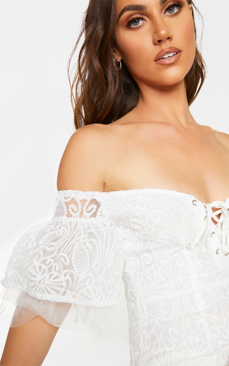 White Embroidered Frill Sleeve Lace Up Bodycon Dress 4