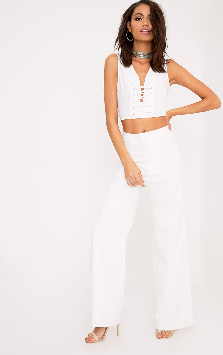 Ambrie Cream Lace Up Plunge Sleeveless Crop Top 4
