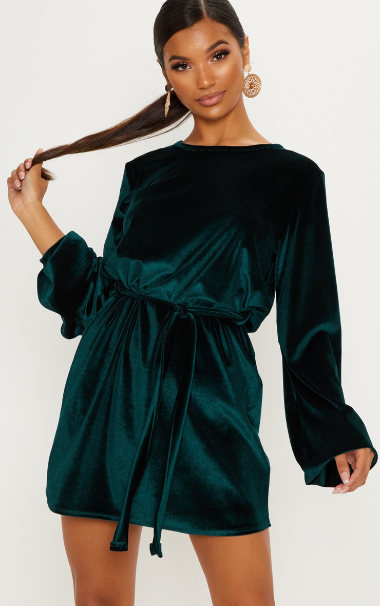 Emerald Green Velvet Oversized Long Sleeve Tie Waist Dress by Prettylittlething