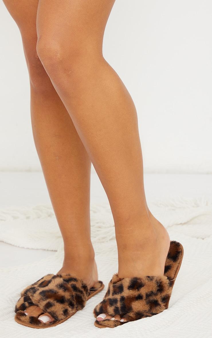 Brown Leopard Fluffy Cross Strap Slippers 2