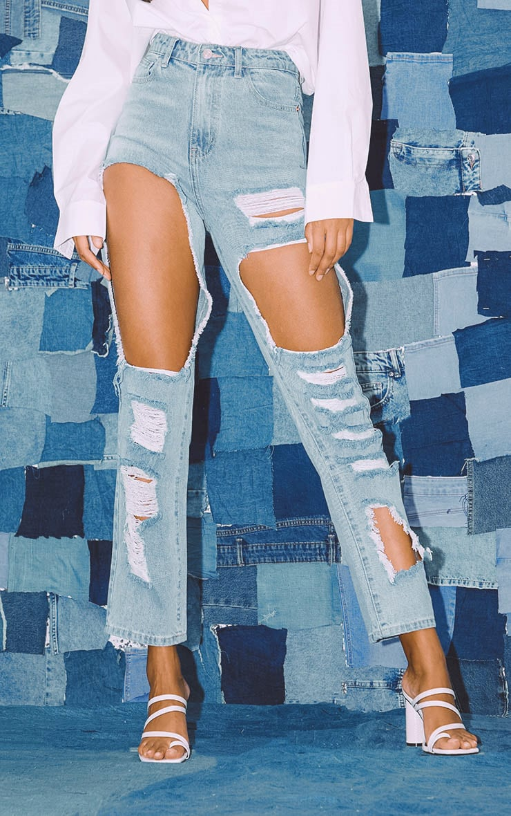 PRETTYLITTLETHING Light Wash Open Thigh Straight Leg Jean 2