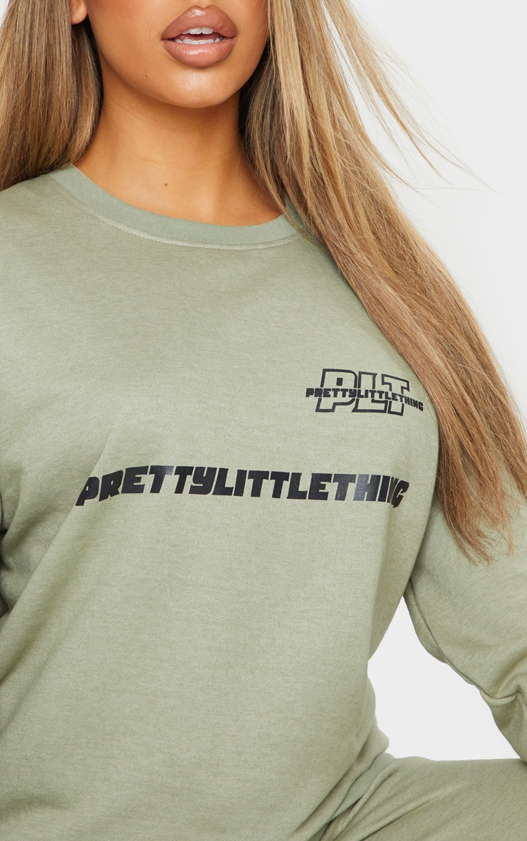 PRETTYLITTLETHING Sage Green Slogan Oversized Sweater 4